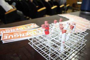 Alunos do ensino médio desenvolvem larvicida contra dengue  / Enerson Cleiton